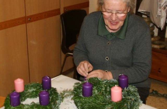 Foto vom Album Adventkranz-Binden 2011